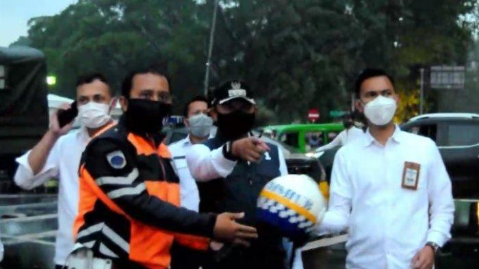 Mahasiswa Gelar Aksi Demo Sebrang Istana Bogor, Wali Kota Bima Arya Datang Tapi Hanya Nonton Saja