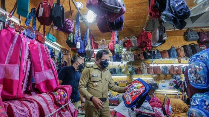 PPKM Level 4, Bima Arya Tinjau Operasional Pasar Tradisional Non-Sembako hingga Warung Makan