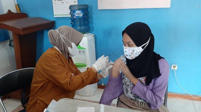 Target Tertinggi se-Jabar, Vaksinasi Covid-19 di Kabupaten Bogor Terkendala Ini