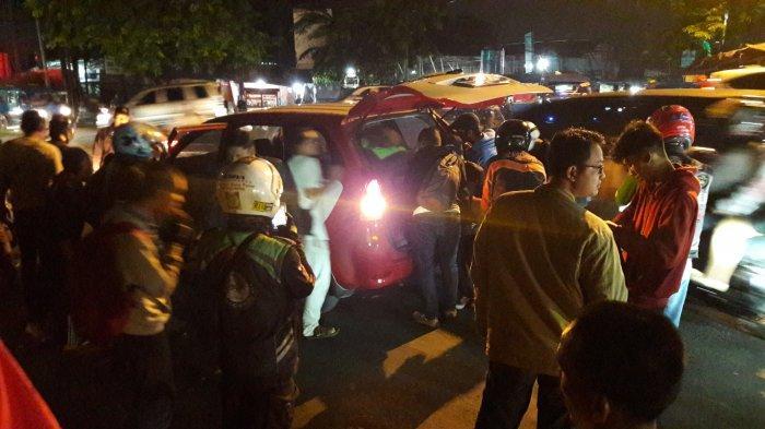 Korban Tabrak Lari di Simpang Cikaret Dievakuasi ke RSUD Cibinong