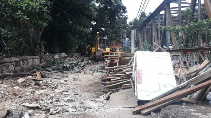 Bangunan Liar Diduga Jadi Markas Pelaku Tawuran di Bogor Kini Rata dengan Tanah