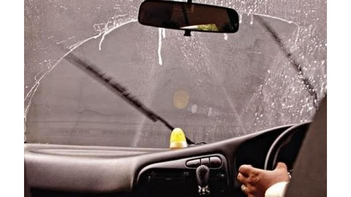 Hindari Isi Ulang Air Wiper dengan Sabun, Ini Bahayanya