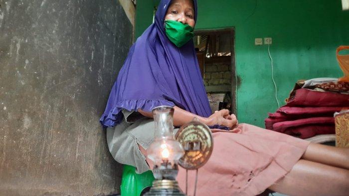 Kisah Lampu Semprong 'Keramat' Mak Yoyoh, Janda di Bogor yang Hidup 10 Tahun Tanpa Listrik