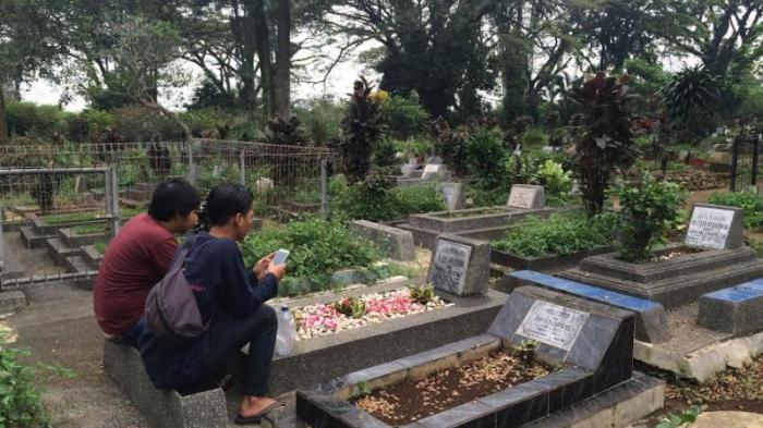 Arti Mimpi Ziarah Kubur dan Menangis Depan Makam, Ustaz Abdul Somad Ungkap 2 Hal, Ada Pertanda Buruk