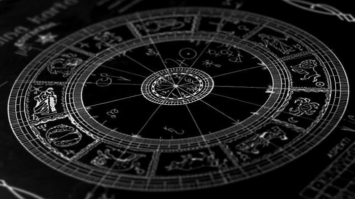 Ramalan Zodiak Besok 19 Februari 2021 - 3 Zodiak Ini Bakal Dapat Peluang Emas, Jangan Disia-siakan !