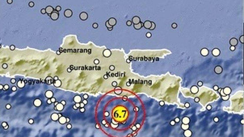 gempa-67-sr-di-malang.jpg