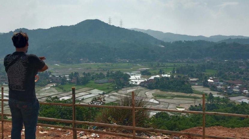 melihat-panorama-kota-bogor-dari-atas-desa-puraseda.jpg