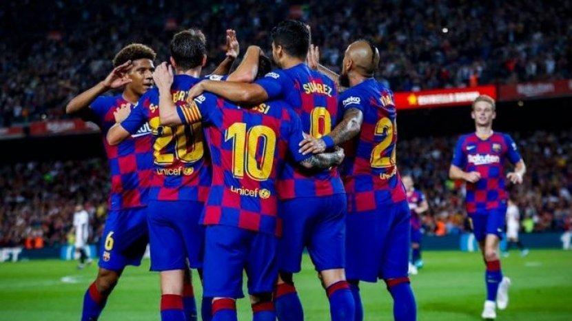 para-pemain-barcelona-merayakan-gol.jpg