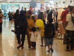 anak-12-tahun-ke-bawah-boleh-masuk-mall.jpg