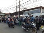 antrean-penumpang-di-stasiun-bojonggede-77.jpg