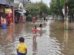 banjir-di-perumahan-harapan-baru-2-kelurahan-kota-baru.jpg