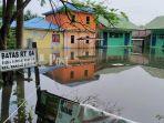 banjir-mulai-menerjang-desa-sungai-pantai-kecamatan-rantau-badauh.jpg