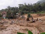 bencana-longsor-kecamatan-leuwisadeng-rabu-1352020.jpg