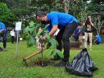 bima-arya-bersama-pengurus-apeksi-dan-forum-rektor-indonesia-tanam-pohon-di-sempur.jpg