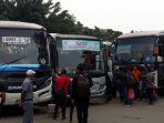 bus-bus-di-terminal-kalideres_20180611_140544.jpg