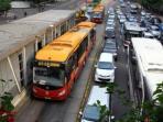 bus-transjakarta_20160302_161124.jpg