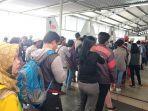 calon-penumpang-commuter-line-di-stasiun-bogor.jpg