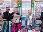 calon-wakil-presiden-nomor-urut-01-kh-maruf-amin-menerima-gelar-kerajaan-karaeng-manaba.jpg