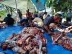 daging-hewan-kurban-untuk-disalurkan-kepada-warga-di-kampung-pabuaran.jpg