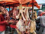 daging-sapi-mulai-ramai-di-area-pasar-baru-bojonggede-h-3-lebaran-2021.jpg