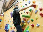 dedie-a-rachim-meresmikan-boulder-climbing-gym.jpg
