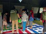 dinas-sosial-kabupaten-bogor-mendirikan-satu-tenda-pengungsian-khusus-untuk-bermain-anak.jpg