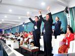 dua-duta-besar-korea-utara-dan-korea-selatan-di-pembukaan-asian-games-2018_20180819_081954.jpg
