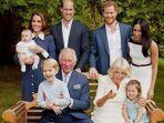 foto-keluarga-pangeran-charles-bersama-istri-anak-dan-cucu-cucunya.jpg