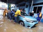 ilustrasi-cara-mengatasi-mobil-mogok-akibat-banjir.jpg