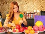 ilustrasi-makan-buah.jpg