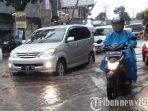 jalan-pabuaran-kawasan-cikaret-kabupaten-bogor-digenangi-air-hujan.jpg