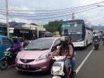 jalan-raya-puncak-simpang-megamendung-kabupaten-bogor_20180307_164538.jpg