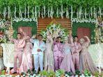 janda-yang-gelar-pernikahan-bareng-3-anaknya-viral-di-media-sosial.jpg