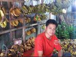 joy-penjual-pisang-di-wilayah-bojonggede.jpg