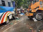 kecelakaan-bus-dan-truk-di-jalan-raya-cileungsi-jonggol.jpg
