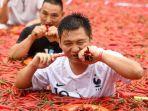 kompetisi-makan-cabai-di-china_20180710_135357.jpg