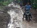 kondisi-jalan-pasca-lokasi-longsor-di-kecamatan-sukajaya-kabupaten-bogor-jumat-312020.jpg