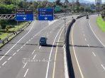 kondisi-lalu-lintas-di-tol-jagorawi-depan-gerbang-tol-ciawi-kamis-232020.jpg