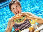 makan-burger-sepuasnya-di-aston.jpg