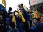 massa-mahasiswa-yang-tergabung-dalam-pergerakan-mahasiswa-islam-indonesia-pmii-berunjuk.jpg