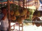 pedagang-durian.jpg