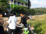 pedagang-layangan-di-sekiataran-gunung-geulis-kabupaten-bogor_20180601_231107.jpg