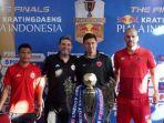 pelatih-dan-pemain-persija-jakarta-julio-banuelos-saez-final-piala-indonesia.jpg