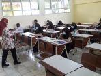 pembelajaran-tatap-muka-ptm-di-smp-n-1-bojonggede-kabupaten-bogor-kamis-292021.jpg
