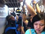 penumpang-commuter-line_20160518_104951.jpg