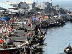 perahu-dan-pemukiman-nelayan-di-sepanjang-kali-cakung-drain.jpg
