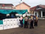 perekapan-surat-suara-di-kantor-kecamatan-ciawi-kabupaten-bogor_20180628_161806.jpg