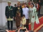 presiden-joko-widodo-dan-jan-ethes-berfoto-dengan-ahy.jpg