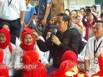presiden-jokowi-bertemu-ibu-ibu.jpg
