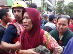 proses-evakuasi-warga-rw-04-kelurahan-cipinang-melayu.jpg